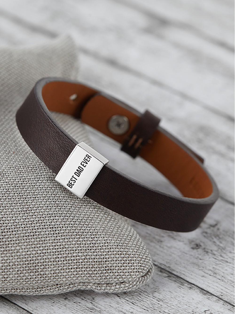 "Personalized Dad Bracelet - ""Best Dad Ever"""