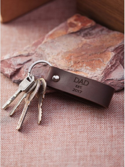 Personalized Dad Keychain - Dad est